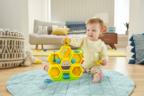 仕掛けがたくさん!赤ちゃんが遊びながら成長できるおもちゃ登場