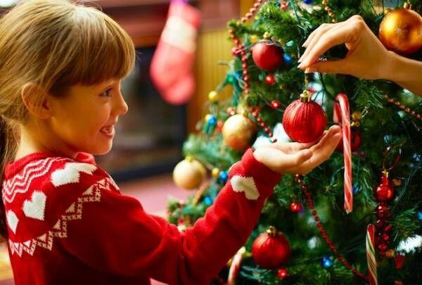 ぺたぺた貼るだけ!世界に一つだけのクリスマスツリーを作ろう