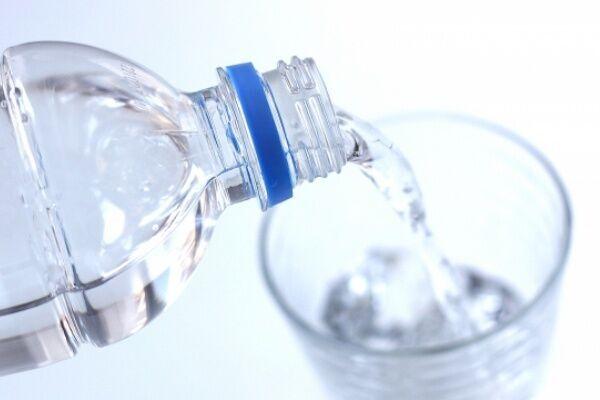 点滴のように水分補給…心臓と脳の疾患を防ぐ3つの習慣