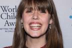 難病と闘い続けた若き活動家、クレア・ワインランドが21歳で死去