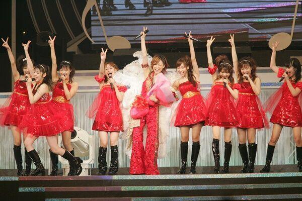 (写真:'07年、吉澤のモー娘。卒業ライブ)