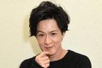 俳優・新納慎也が明かす「香取慎吾は天才タイプの役者です!」
