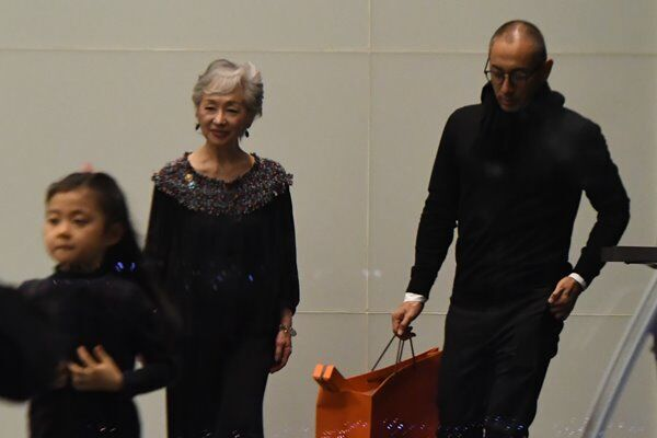 海老蔵 誕生日会で涙…麻央さんに誓った男女平等の教育方針