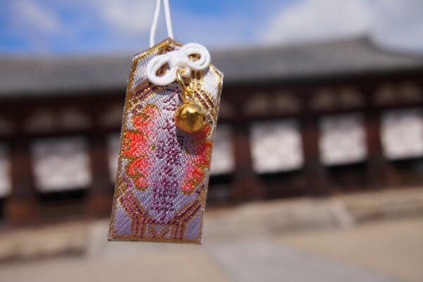 神道と仏教、宗教違うのになぜお守りの形同じ?専門家が解説(2019年1月 ...