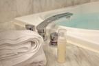 日本人が長寿な理由!?毎日お風呂に入る人は介護リスクが3割減