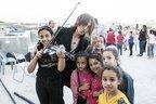 パレスチナ、シリア難民の力に…「憎しみ超える」SUGIZOの音
