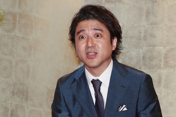 ムロツヨシの本音つぶやきに17万いいね、新井浩文逮捕に言及か