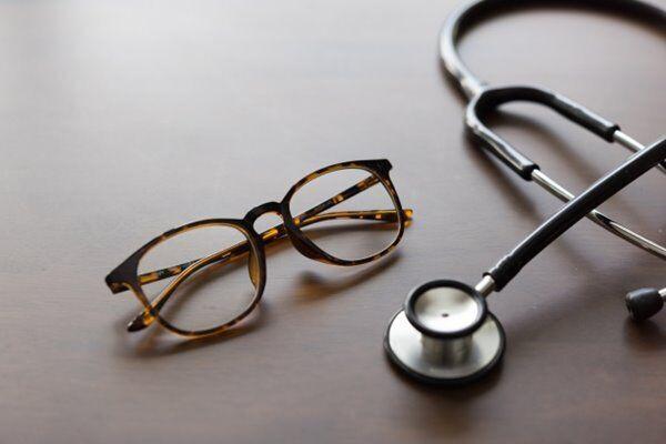 目の筋肉をつけ老化を防ぐ!医師勧める「血行改善エクササイズ」とは