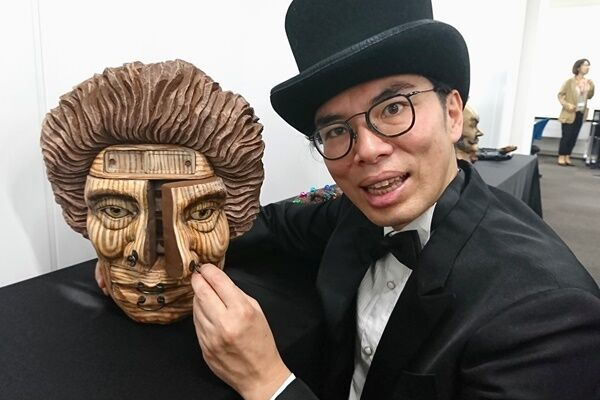片桐仁 海外進出の資金募る「夢はルーヴル美術館!」