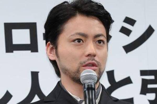 """山田孝之の主演映画「全裸監督」が""""濃厚すぎる""""と話題"""