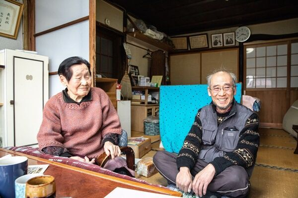 102歳の現役理容師 元気の秘訣は自己流体操