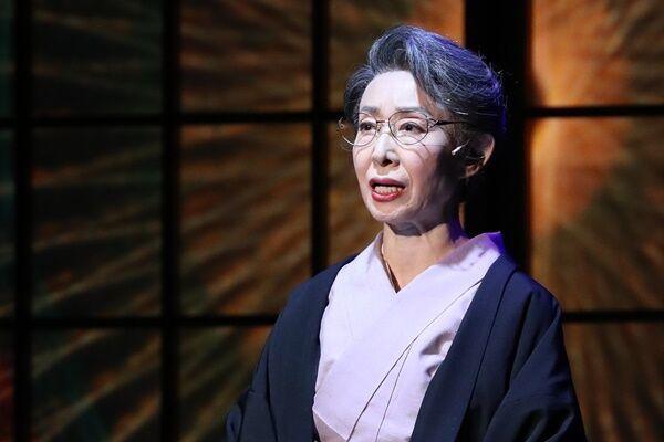 三田佳子も!卒母急増の背景…親に根性焼き、小遣い50万円