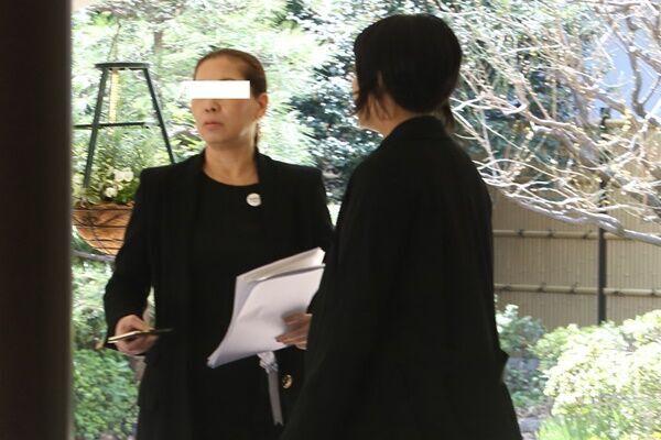 裕也さんマネージャー確執否定 也哉子と葬儀で手取り合う姿も