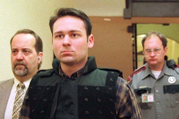 1999年、裁判に出廷するジョン・ウィリアム・キング(写真:ロイター/アフロ)