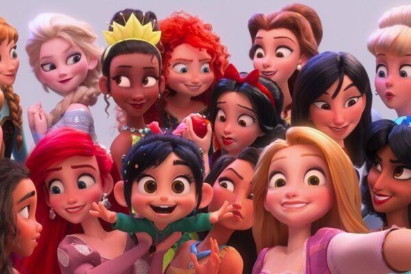 (C)2019 Disney