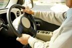 2025年に認知症患者は700万人に…懸念される自動車事故