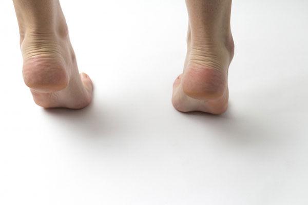 つま先と足首を使って「ふくらはぎ」を鍛える血流改善エクササイズ