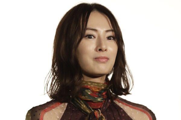 北川景子 初のショートカットに絶賛の声「もはやイケメン」