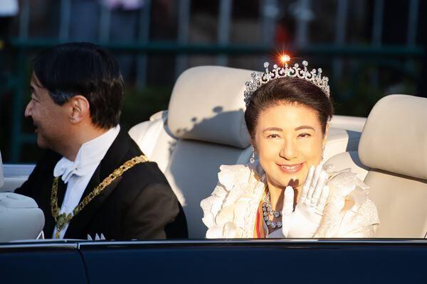 雅子さまのティアラがキラリ 本誌が見たパレードの決定的瞬間