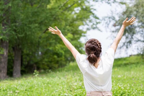 仕事終わり、就寝時にやりたい「ポジティブため息」で人生が楽に