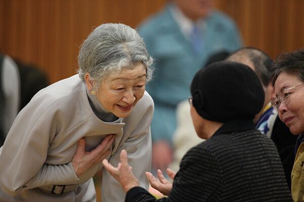 生前退位は画期的…美智子さまお支えになった新しい皇室の形