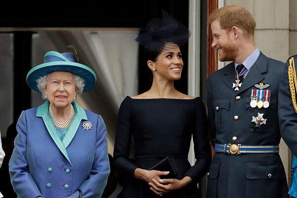 王室を去るヘンリー王子夫妻を支援すると表明したエリザベス女王だが……(写真:AP/アフロ)