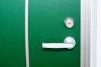 ドアノブやボタンは手のひらで押す、医師も実践する「風邪」対策