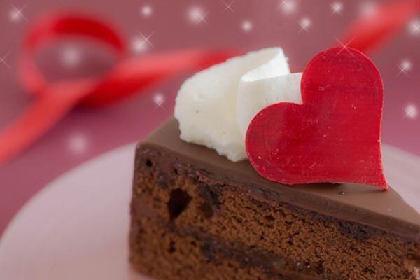 バレンタイン市場拡大の背景、脱義理チョコで自分用にシフト
