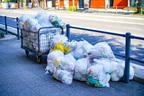 小池知事も拡散!話題芸人の感染防止ゴミ出し術が大反響