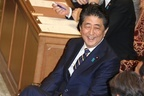 安倍首相にすり替えとの指摘「公務員定年延長に批判あった」