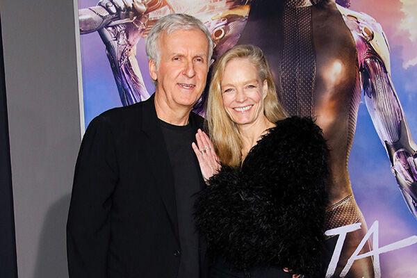 ジェームズ・キャメロンと妻のスージー・エイミス(写真:Shutterstock/アフロ)