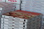 頼んだ覚えのないピザが10年間届き続ける「怖くて眠れない」