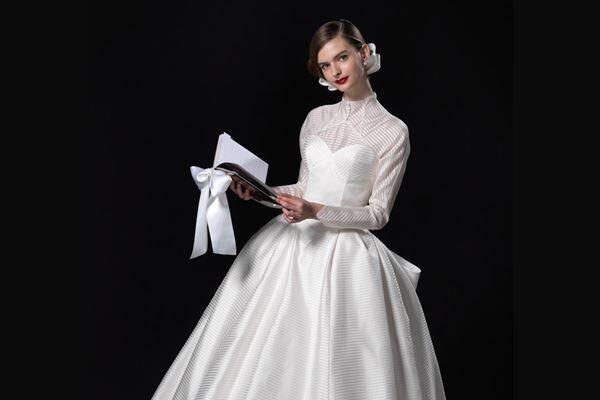 松嶋が着ていたドレスは『グレースケリー』という名称で、多くの女性の憧れの的に。