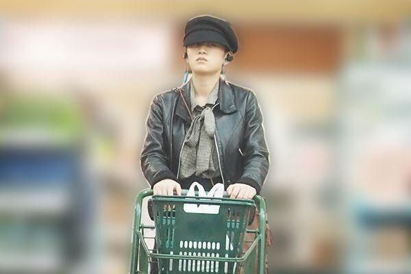 19年3月、産後直後に一人で買い物する前田。