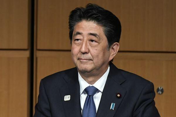 """休日執務の64%が2時間以下 安倍首相""""147連勤""""の正体"""