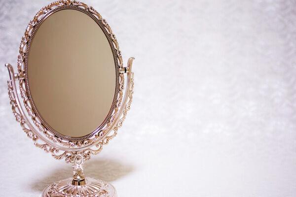 やせたいけどドカ食いしたい…そんなときは「鏡の前で!」