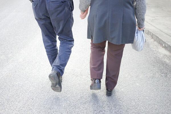 遺族厚生年金か、自分の厚生年金か…夫の没後に妻が得する貰い方