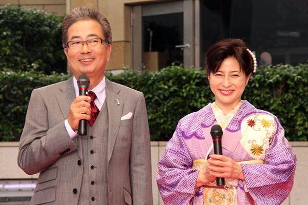 芸能界屈指のおしどり夫婦だった岡江さんと大和田。
