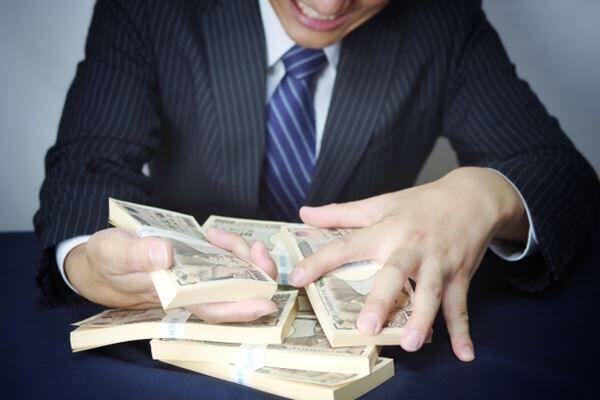 学歴も職業も財力もすべて嘘 外資系金融マン夫は契約警備員