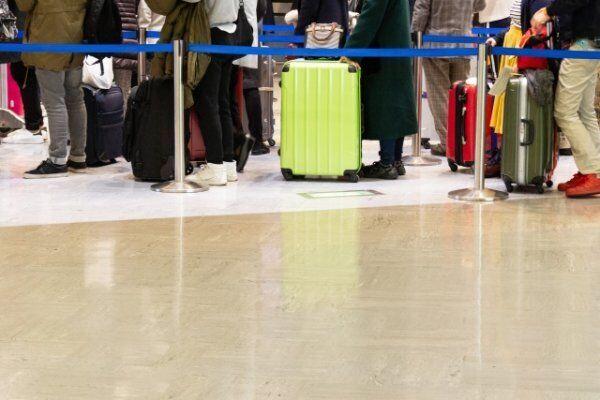 介護で帰省する人は飛行機代も安く…この得制度を見逃すな