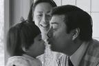 【ほっこり写真館】高橋英樹&真麻、19年の時を超えた「父娘のキス」