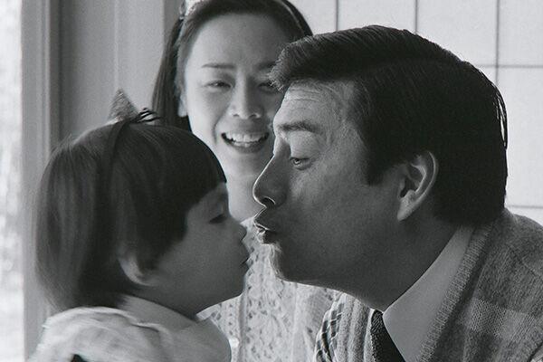 1984年、2歳の娘・真麻にメロメロだった40歳の高橋英樹。