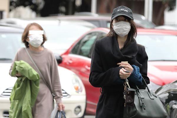 今年3月、東京で母と同居生活を送っていた戸田恵梨香。