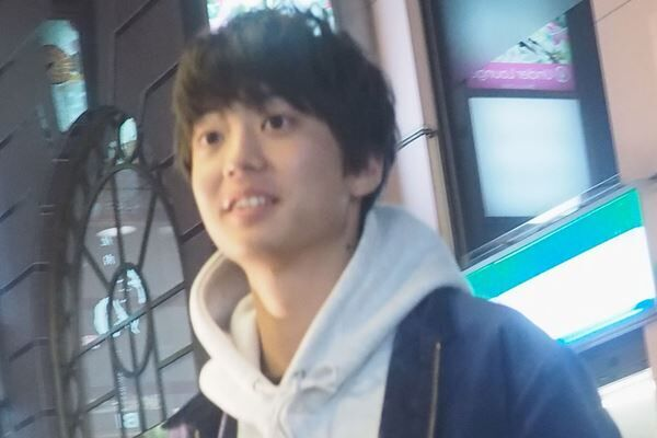 18年12月、『今日から俺は!!』の打ち上げで笑顔の伊藤。