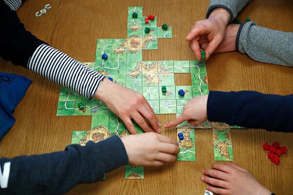 ロックダウンした地域ではボードゲームの需要が劇的に伸びた※写真は「コロナ」ものではありません(写真:ロイター/アフロ)