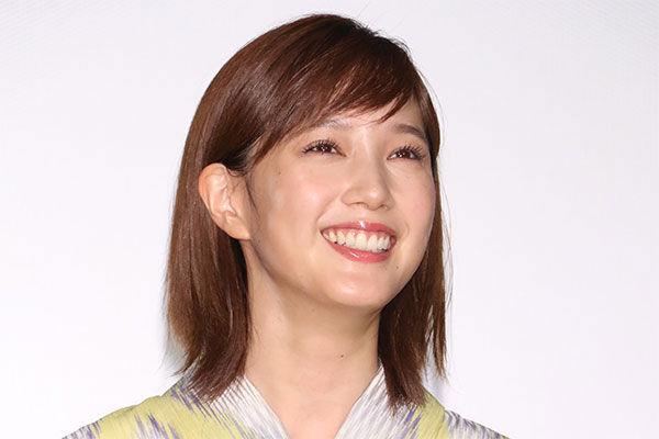 本田翼のYouTubeチャンネル「ほんだのばいく」は登録者数220万人。