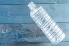 花粉症での鼻水を維持的に抑える「ペットボトルをワキばさみ」