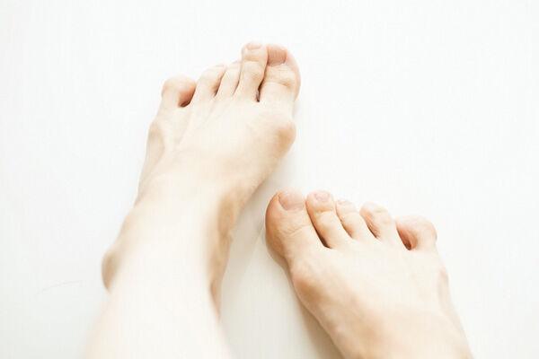 タコやウオノメ、外反母趾…「足のトラブル」はどう守る?