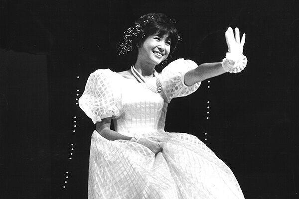 83年の『アン・ドゥ・トロワ』コンサートツアー。『赤いスイートピー』のイントロが流れると、どの会場も大歓声が