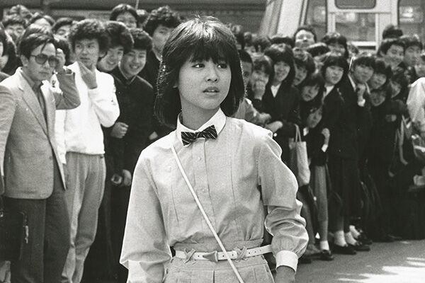 83年、映画『プルメリアの伝説』撮影中のまだあどけない聖子